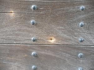 蛤御門の変でついた弾痕と言われている穴