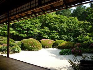 嘯月楼からの庭園の眺め