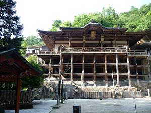 懸崖造りの本殿