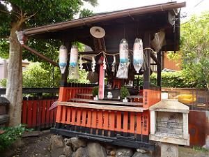 合槌稲荷明神の社殿
