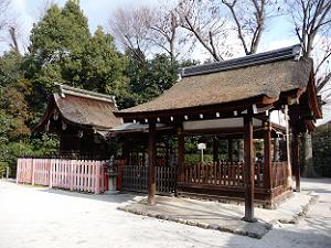 久我神社の本殿と拝殿