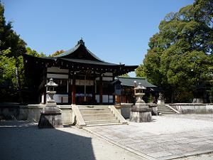 わら天神と呼ばれている敷地神社