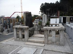 長藩士戦亡霊塔
