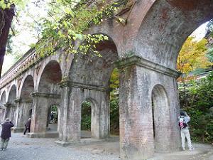 南禅寺境内を通る水路閣