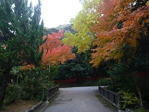 建勲神社へ