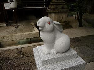 岡崎神社の兎