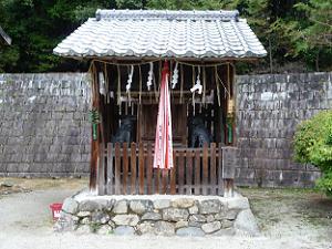 一言神社の社殿