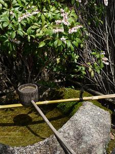 司馬恩公形の手水鉢