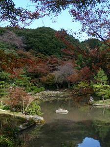 紅葉と池と五位山