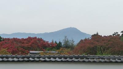 曇り空と比叡山