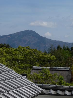 比叡山と青空
