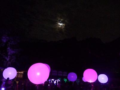 月明かりと球体