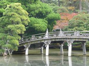 石橋と紅葉