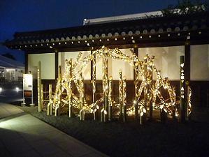 御影堂門前の竹の灯り