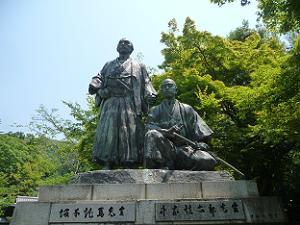 坂本竜馬(左)と中岡慎太郎(右)