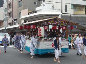 岩戸山の神輿