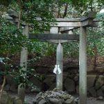 不思議な姿をした京都三珍鳥居