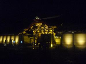 唐門のライトアップ