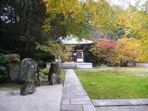 善能寺境内の紅葉