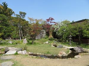 紅梅殿船出の庭