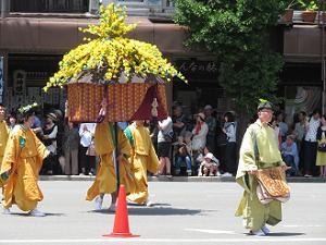 黄色の風流傘