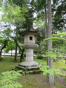 巨大な灯籠
