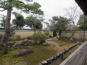 方丈南側の庭園