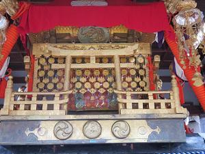 横から見た若宮神輿