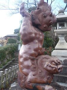 宗忠神社の備前焼の狛犬