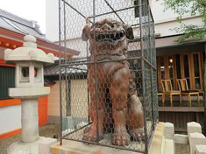 八坂神社の備前焼の狛犬