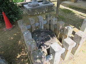 旧極楽寺礎石 伽藍石