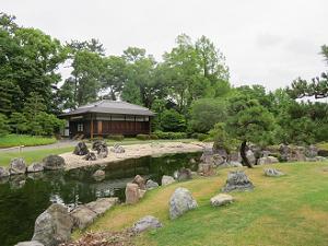 香雲亭と池