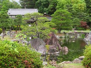 清流園の池