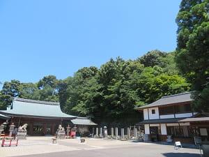 青空と霊山