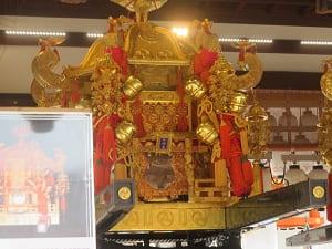 西御座の神輿